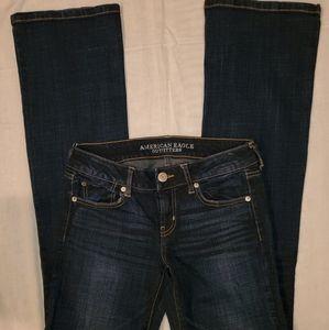 AMERICAN  EAGLE   favorite  boyfriend jeans.size 4